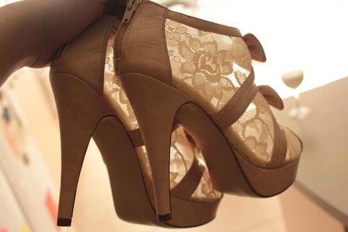 ea1d4e8bc سيدة العالم: احذية وشنط للبنات 2013 ، احذية كعب عالى للمراهقات 2013