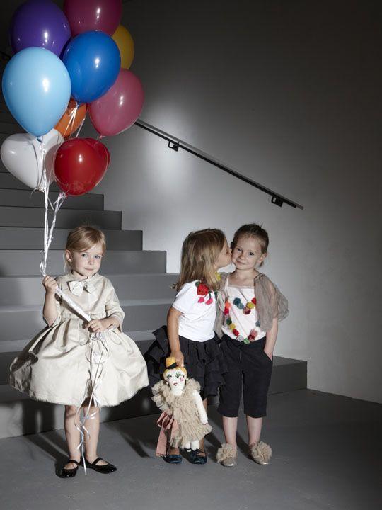 فساتين عالمية للاطفال 2014 hwaml.com_1353238466