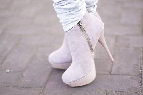 hwaml.com 1354590714 219 صور شوزات و احذية بكعوب عالية high heels shoes حديثة