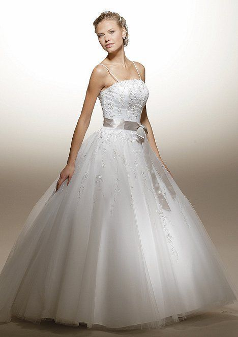 b70938af0 فساتين زفاف بسيطة للعروس 2013 ، فساتين زفاف فرنسية ، فساتين زفاف مميزة  للعروس 2014