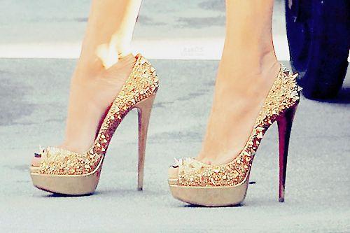 f79b85317 صور احذية كعب عالي رائعة 2013 ، اجمل احذية كعب عالي 2014 ، صور شوزات كعب  عالي جديدة