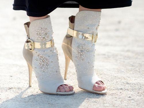 احذية جديدة للسهرة 2013 اجدد hwaml.com_1354932088_618.jpg
