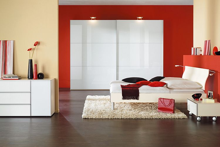 Beautiful Chambre A Coucher Rouge Et Beige Contemporary - Seiunkel ...
