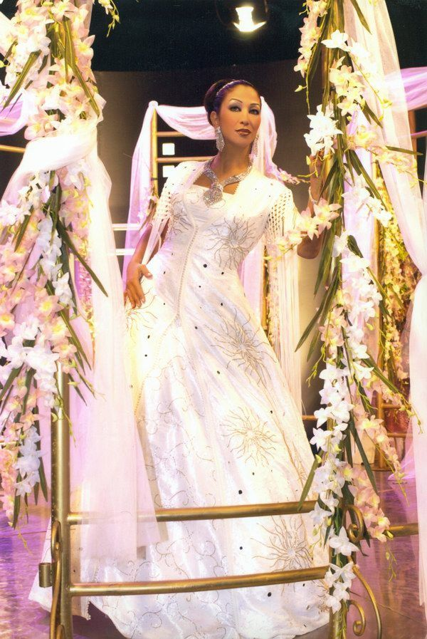 a3710b029 فساتين زفاف جديدة 2013 ، فساتين زفاف حديثة ، تشكيلة فساتين زفاف انيقة 2014