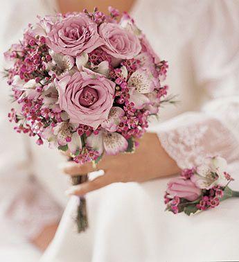 باقات الورد لعروس hwaml.com_1355132746
