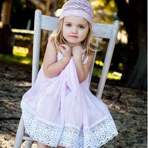 فساتين بتشكيلاتها الرائعة للأطفال hwaml.com_1355655895_123.jpg