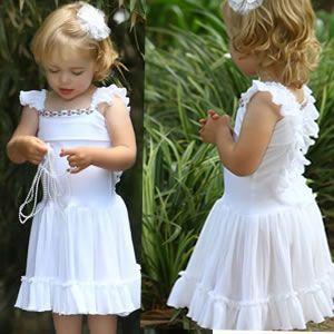 فساتين بتشكيلاتها الرائعة للأطفال hwaml.com_1355655895_822.jpg