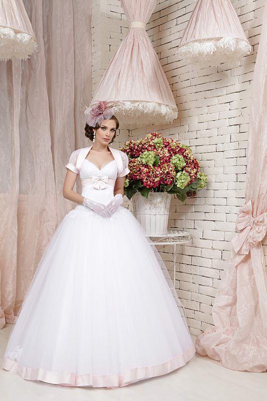 ec1f4345d56d7 فساتين زفاف رائعة 2013 ، اروع فساتين الزفاف 2014 ، صور فساتين زفاف تهبل