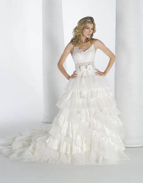31f3d663953d4 فساتين زفاف رقيقة 2013 ، فساتين بسيطة للعروس 2014 ، صور فساتين زفاف ناعمة