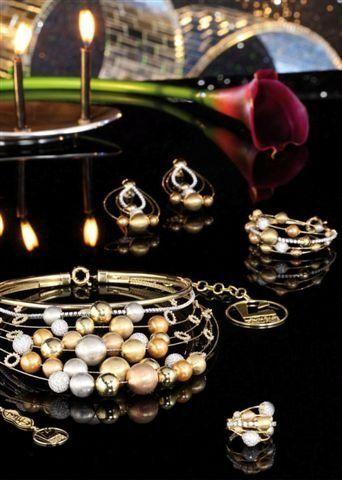 مجوهرات فخمة مجوهرات مميزة hwaml.com_1359280651_436.jpg