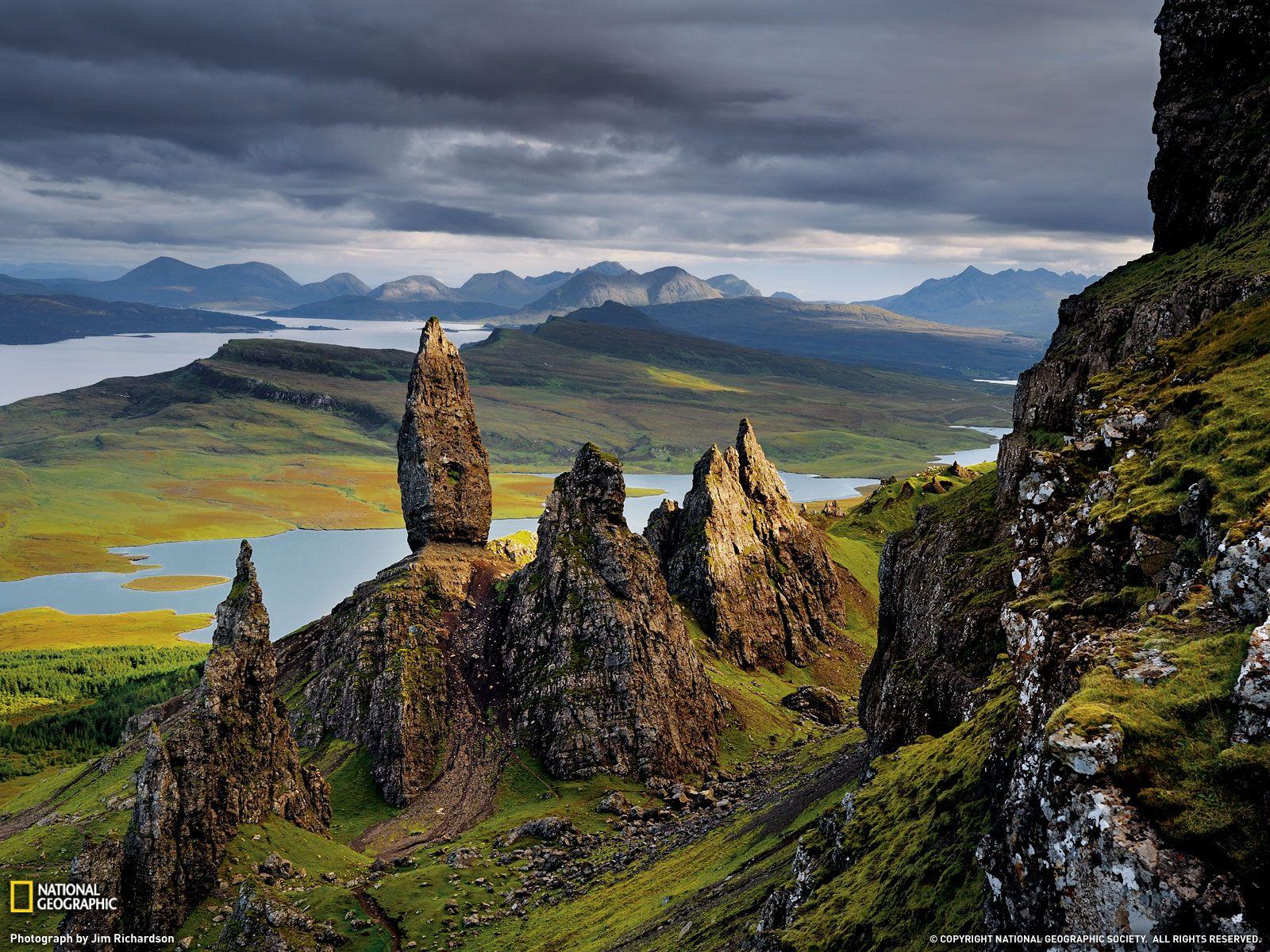 الطبيعة الساحرة أدنبرة بأسكتلندا