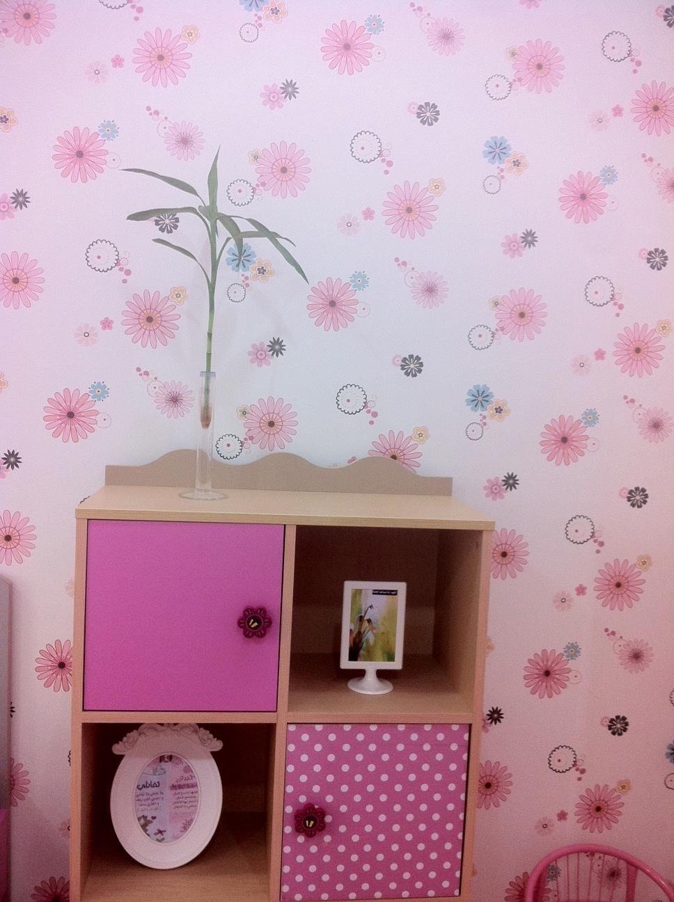 طريقة جميلة تربوية لتزيين الاطفال تزين غرفة الاطفال بإطارات وعليها عبارات جميلة