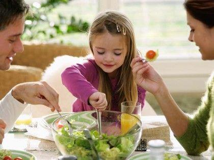النصائح السته الهامة لصحة اطفالنا hwaml.com_1396175736